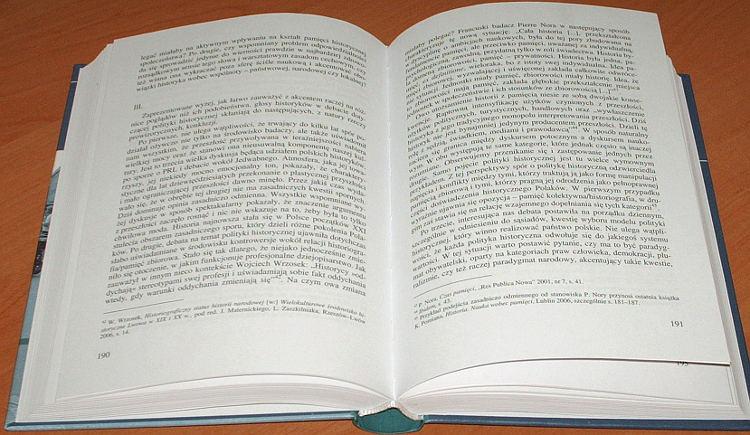 Nowinowski-Pomorski-Stobiecki-red-Pamiec-i-polityka-historyczna-Doswiadczenia-Polski-i-jej-sasiadow-IPN-2008-konferencja