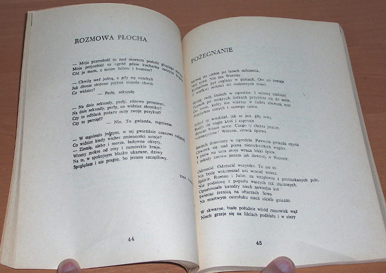 Milosz-Czeslaw-Wiersze-Oficyna-Poetow-1980-Wydanie-bezdebitowe-podziemne-drugoobiegowe-bibula