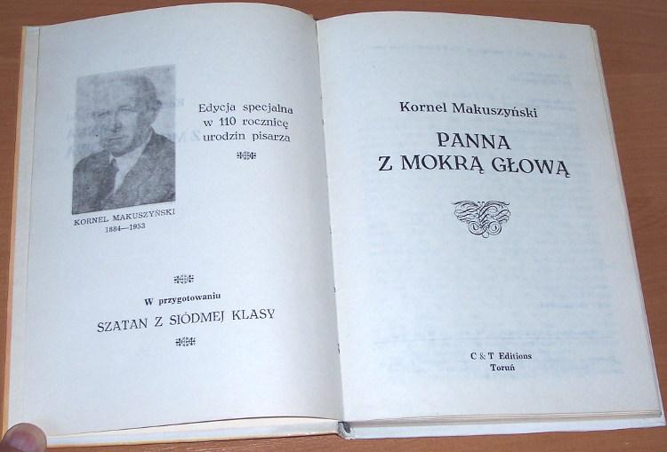 Makuszynski-Kornel-Panna-z-mokra-glowa-Torun-C-and-T-Editions-1994-hard-cover-Literary-Fiction-Juvenile