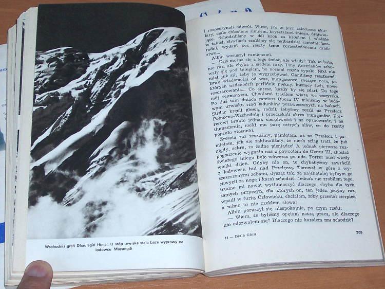 Tenzing-Norkey-Czlowiek-Everestu-Iskry-1957-opr-Ullman-Tlum-Skroczymska-Miklaszewska-Man-of-Everest-Naokolo-Swiata