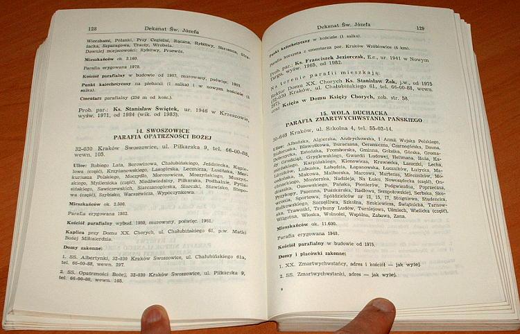 Katalog-kosciolow-i-duchowienstwa-Archidiecezji-Krakowskiej-1989-Kuria-Metropolitalna-Schematismus-Catholic-Church
