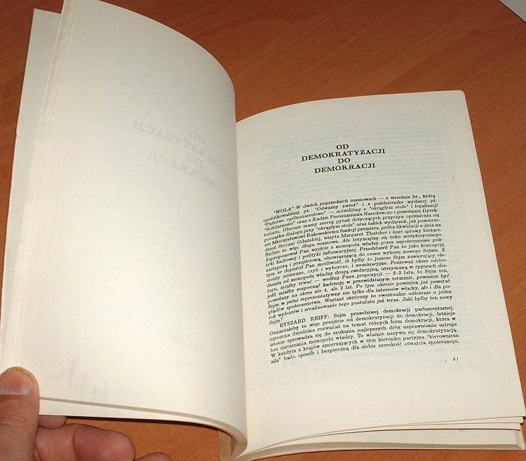 Reiff-Ryszard-Okragly-stol-Wydawnictwo-Grup-Politycznych-Wola-1989-demokracja-polityka-wybory-solidarnosc-solidarity