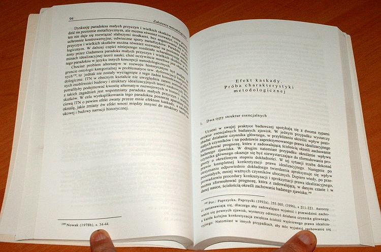 Brzechczyn-Krzysztof-Odrebnosc-historyczna-Europy-Srodkowej-Studium-metodologiczne-Wydawnictwo-Fundacji-Humaniora-1998