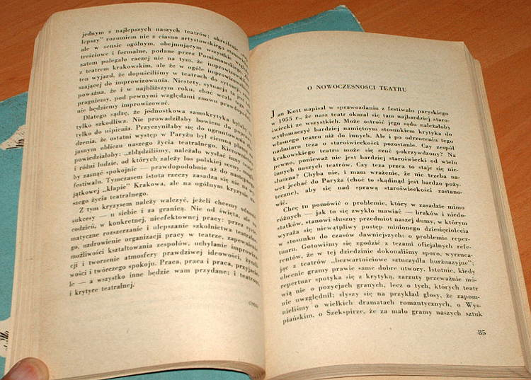 Csato-Edward-O-Prometeuszu-i-ciuchach-Felietony-dygresje-polemiki-teatralne-Czytelnik-1959-teatr-krytyka