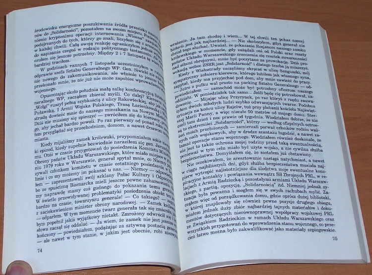 Bohater-czy-zdrajca-Fakty-i-dokumenty-Sprawa-pulkownika-Kuklinskiego-Warszawa-Oficyna-Wydawnicza-Most-Presspublica-1992