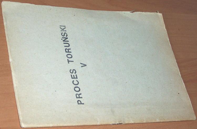 Proces-torunski-V-Proces-o-zabojstwo-ksiedza-Jerzego-Popieluszki-bbb-1985-Ambroziak