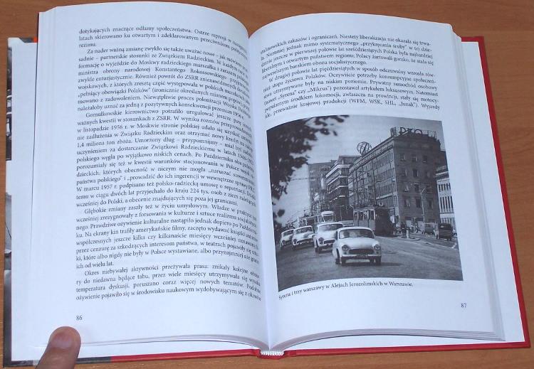 Eisler-Jerzy-Polskie-miesiace-czyli-kryzysy-w-PRL-Warszawa-IPN-Instytut-Pamieci-Narodowej-2008-czerwiec-grudzien-sierpien